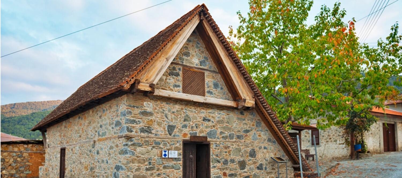 η εκκλησία του χωριού που χρονολογείται