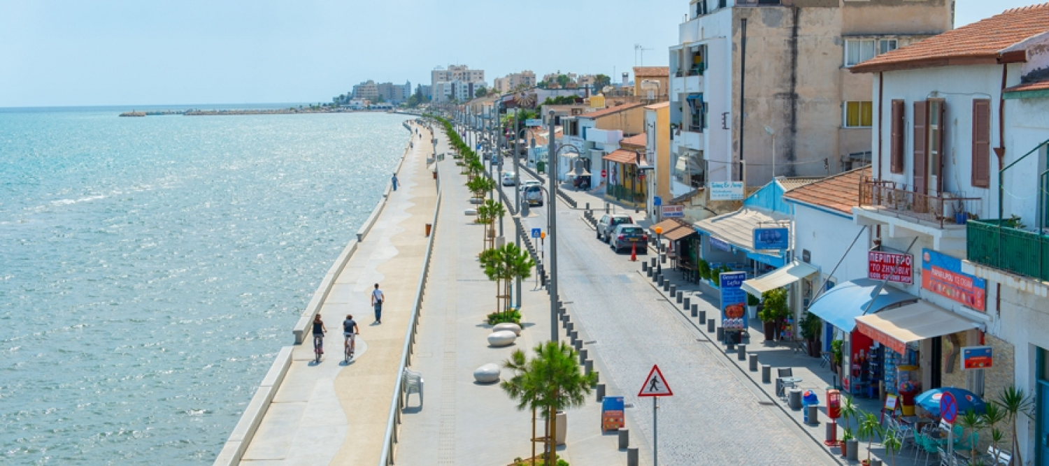 Larnaka 1 - Larnaka (Larnaca) Tourist Beach - Hala Sulta Tekke Mosque - Meneou Lighthouse Cycling Route